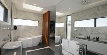 Gremmo Homes Display Master Ensuite Bathroom